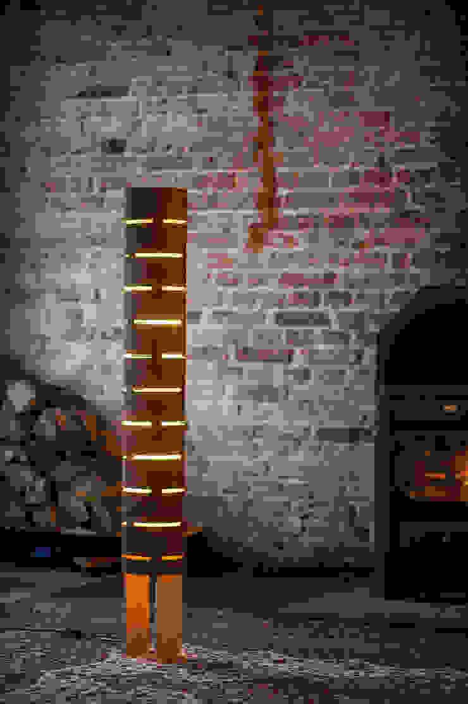 floor lamp from bent plywood_2 od żyrRafo Nowoczesny