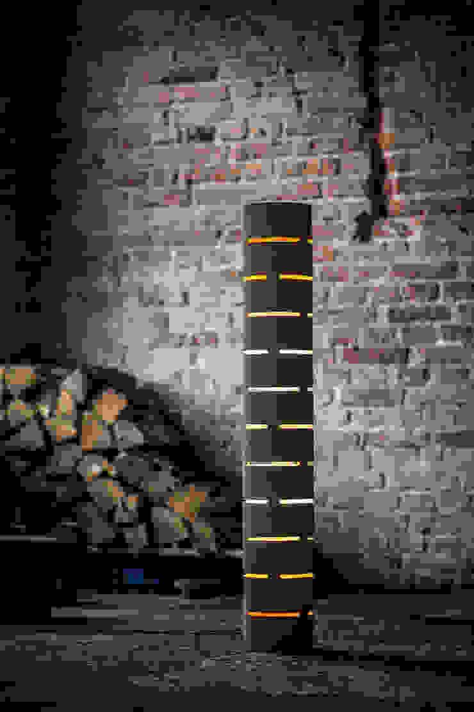 floor lamp from bent plywood_1 od żyrRafo Nowoczesny
