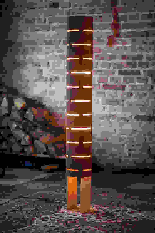 floor lamp from bent plywood_2 od żyrRafo Minimalistyczny