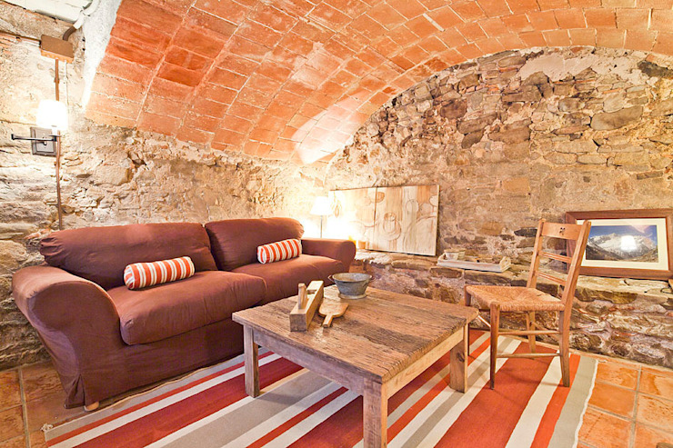 Rustic style wine cellar by Home Deco Decoración Rustic