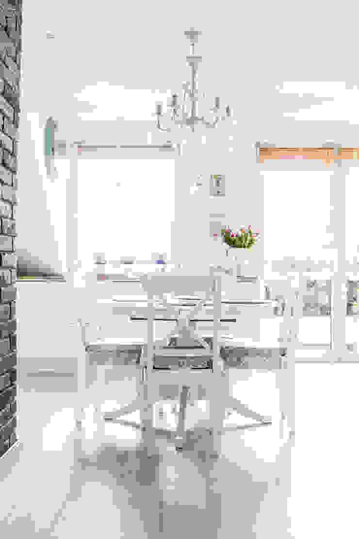 Mieszkanie na poddaszu 85m2 Meblościanka Studio Skandynawska jadalnia