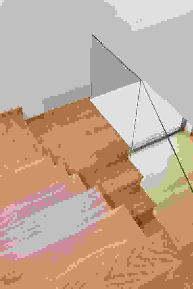 PM House Corredores, halls e escadas modernos por m2.senos Moderno