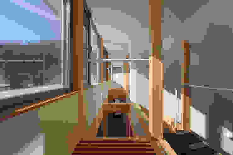 内灘町の家 モダンスタイルの 玄関&廊下&階段 の 福田康紀建築計画 モダン