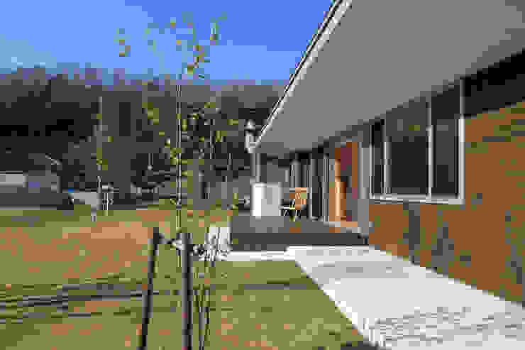 内灘町の家 モダンな庭 の 福田康紀建築計画 モダン
