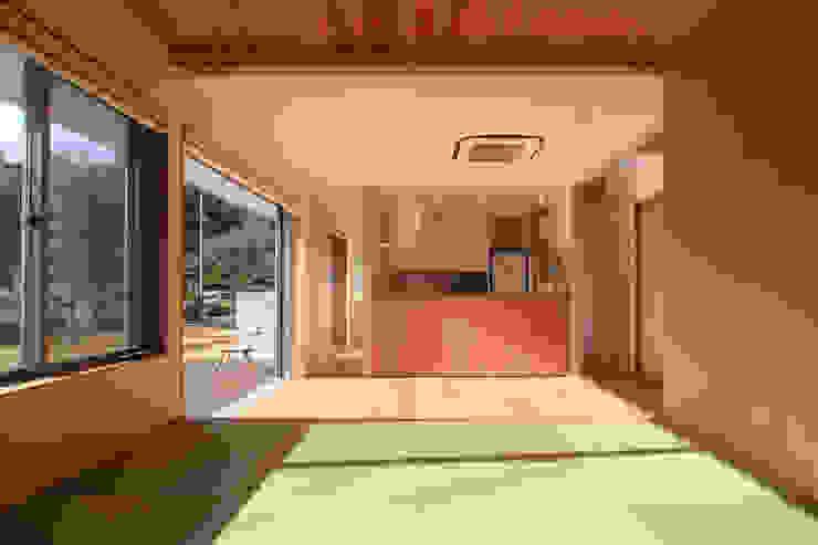 内灘町の家 モダンデザインの リビング の 福田康紀建築計画 モダン