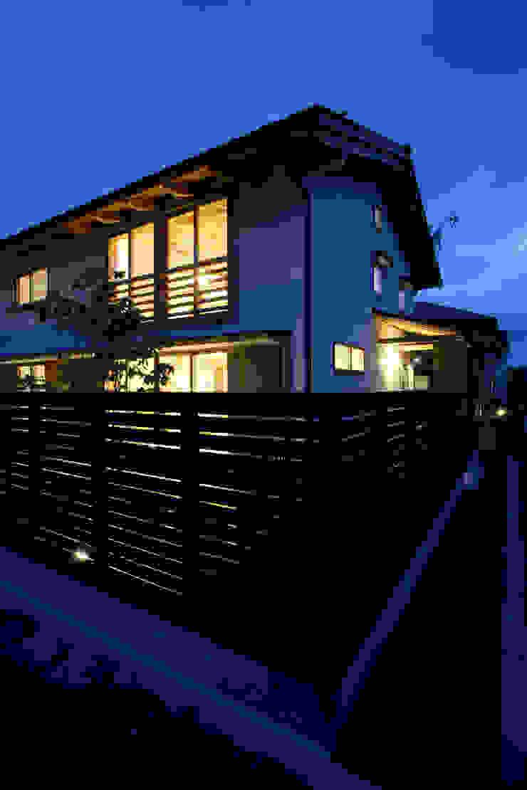 南東外観 オリジナルな 家 の 芦田成人建築設計事務所 オリジナル