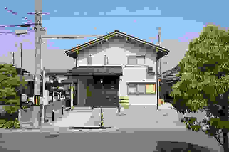 西面外観 オリジナルな 家 の 芦田成人建築設計事務所 オリジナル