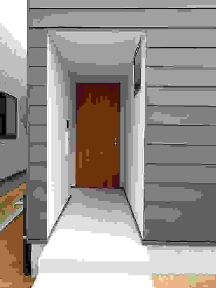 Moderne huizen van 福田康紀建築計画 Modern