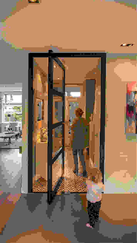 ทันสมัย  โดย Joep van Os Architectenbureau, โมเดิร์น