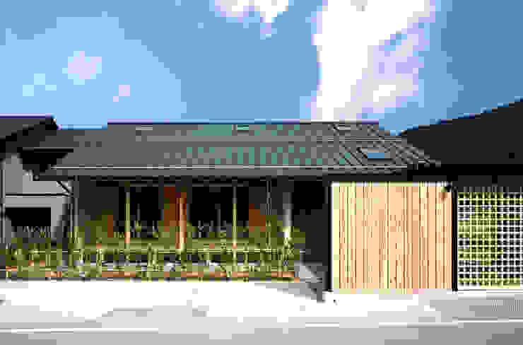 南面ファサード オリジナルな 家 の 芦田成人建築設計事務所 オリジナル