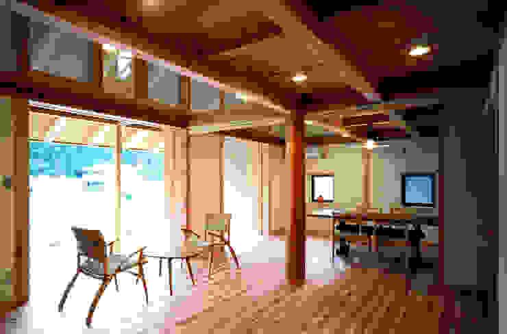リビングダイニング オリジナルデザインの リビング の 芦田成人建築設計事務所 オリジナル
