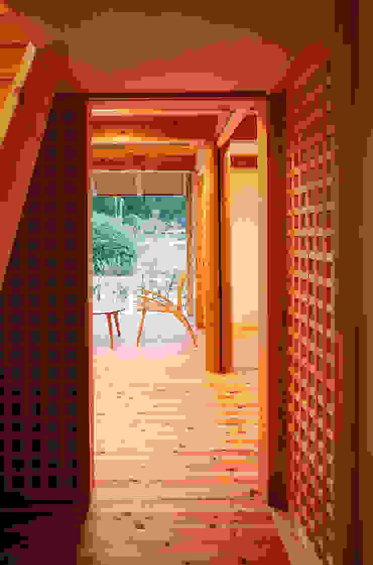 格子戸 オリジナルな 窓&ドア の 芦田成人建築設計事務所 オリジナル
