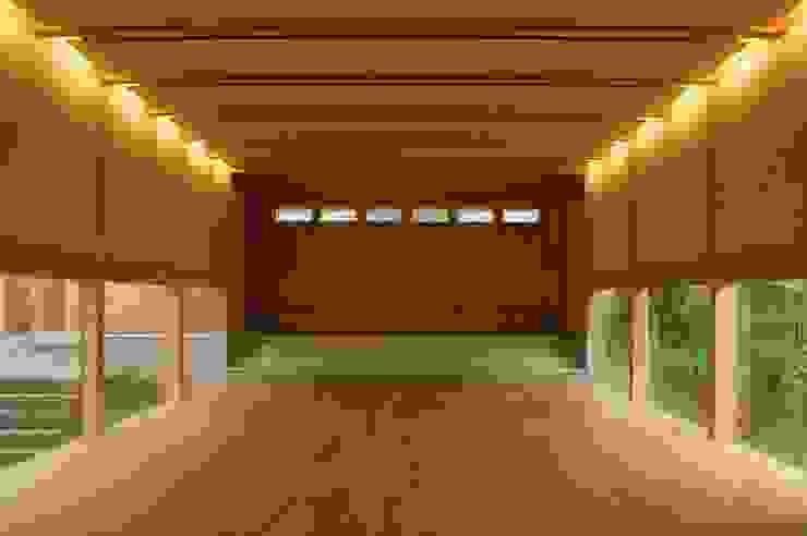 ポエティカ ミニマルデザインの 多目的室 の 畠中 秀幸 × スタジオ・シンフォニカ有限会社 ミニマル