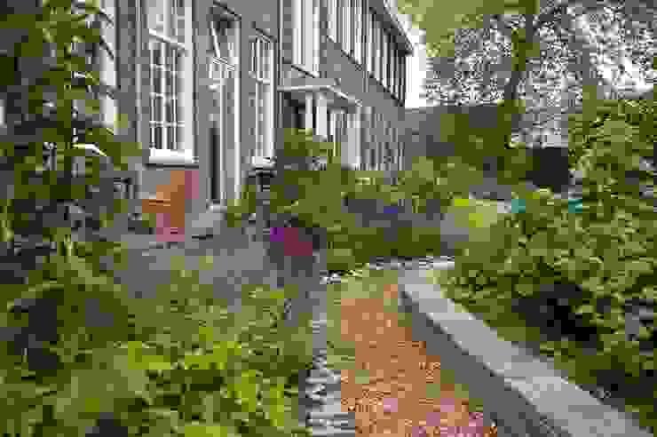 Jardins clássicos por Gunneweg & Burg Clássico