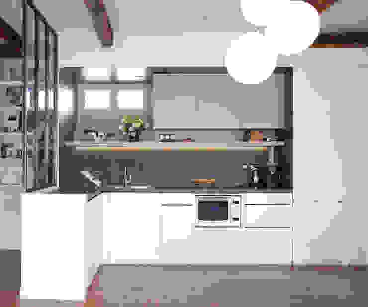 PARIS 11° Cuisine minimaliste par RBB architectes Minimaliste