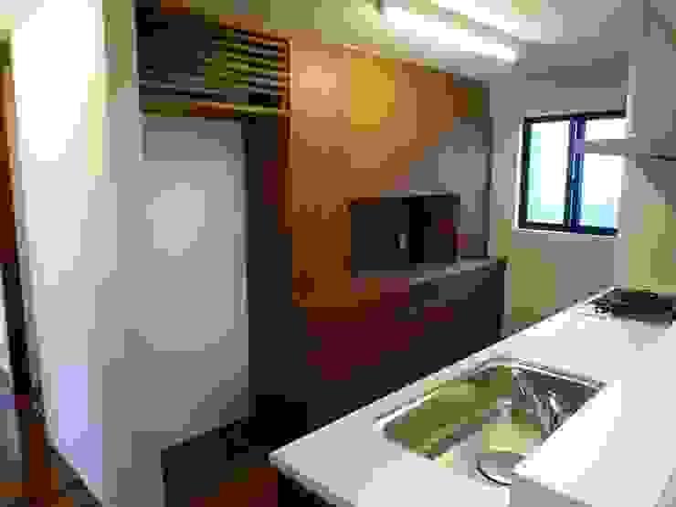 石壁の家 プラソ建築設計事務所 モダンな キッチン