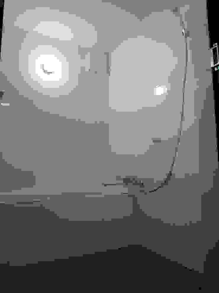 石壁の家 モダンスタイルの お風呂 の プラソ建築設計事務所 モダン