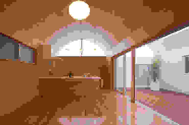 長閑の家 プラソ建築設計事務所 モダンデザインの ダイニング