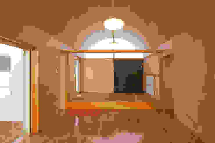 長閑の家 プラソ建築設計事務所 モダンデザインの リビング