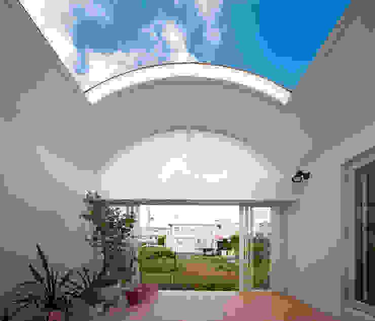 長閑の家 プラソ建築設計事務所 モダンデザインの テラス