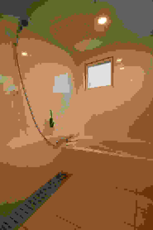 長閑の家 モダンスタイルの お風呂 の プラソ建築設計事務所 モダン