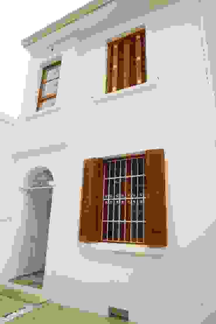 Moderne Häuser von Ana Sawaia Arquitetura Modern