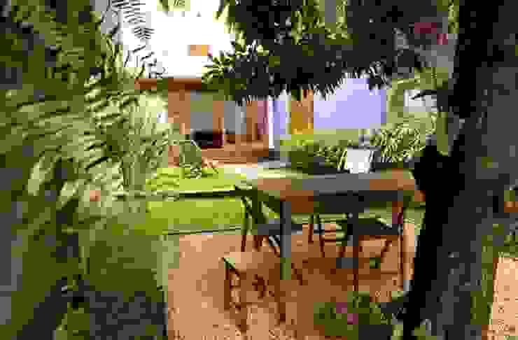 Сады в . Автор – Ana Sawaia Arquitetura,