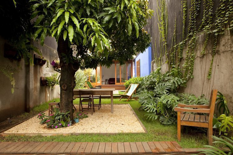 Jardines de estilo  por Ana Sawaia Arquitetura, Moderno