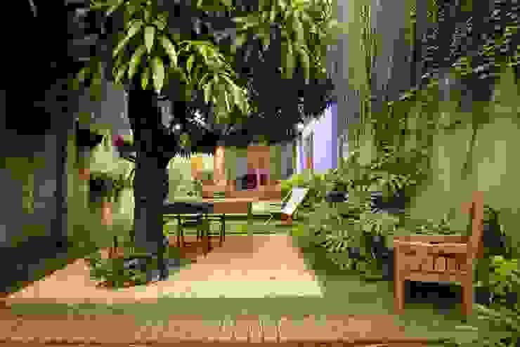 حديقة تنفيذ Ana Sawaia Arquitetura,