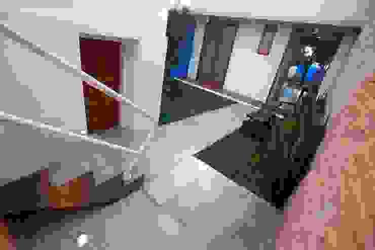 Modern Garden by Ana Sawaia Arquitetura Modern