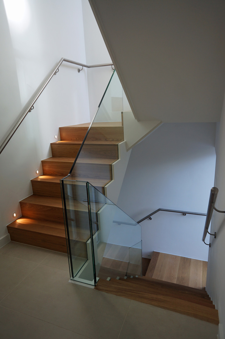 Brudenell Avenue, Canford Cliffs, Poole David James Architects & Partners Ltd Modern corridor, hallway & stairs