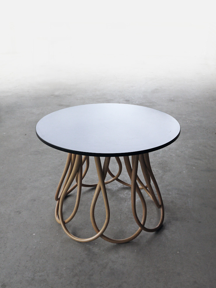 MOWO STUDIO Living roomSide tables & trays