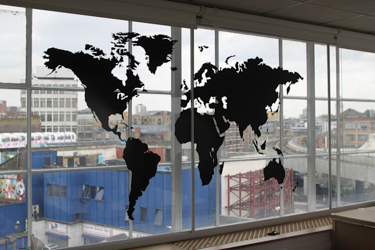 Large world map vinyl wall sticker: modern  by Vinyl Impression, Modern