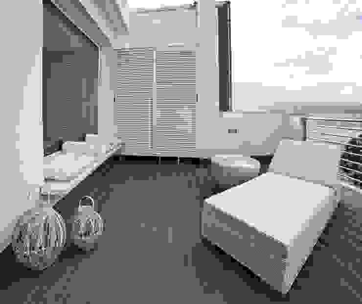 Hiên, sân thượng phong cách Địa Trung Hải bởi Francesca Ignani Interiors Địa Trung Hải