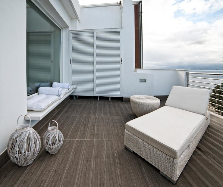 Varandas, alpendres e terraços mediterrâneo por Francesca Ignani Interiors Mediterrâneo