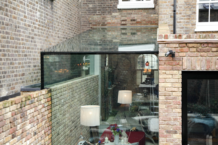 Side Return Frameless Glass Extension. London Modern conservatory by Maxlight Modern