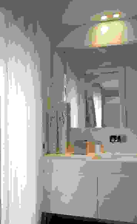 Francesca Ignani Interiors Mediterranean style bathrooms