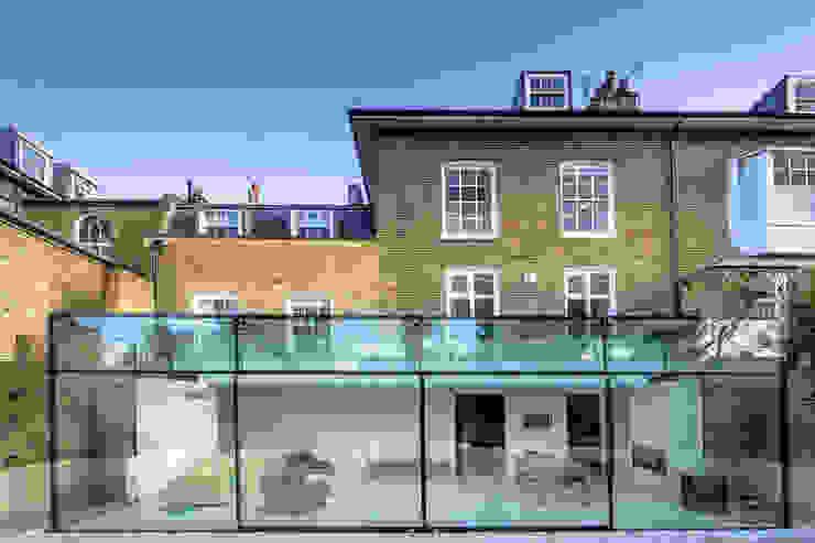 Barnes, London: Culmax Glass Box Extension Minimalistischer Wintergarten von Maxlight Minimalistisch