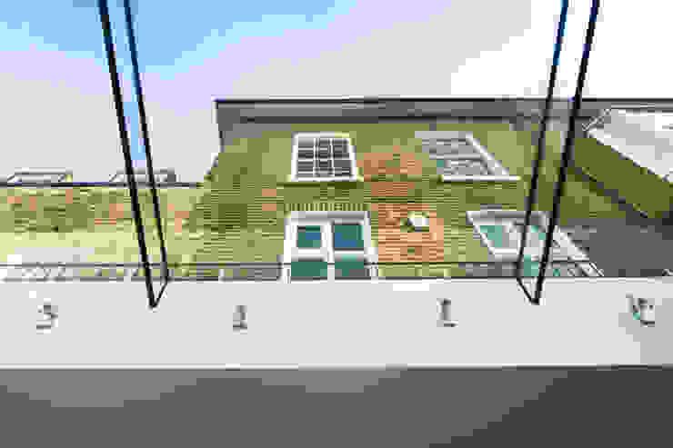 Barnes, London: Culmax Glass Box Extension Minimalistische Häuser von Maxlight Minimalistisch