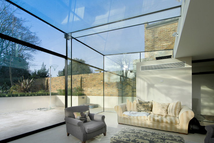 Barnes, London: Culmax Glass Box Extension Minimalist conservatory by Maxlight Minimalist