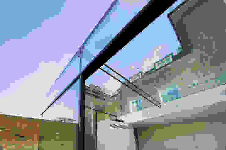 Barnes, London; Culmax Glass Box Extension and Maxlight Doors Maxlight บ้านและที่อยู่อาศัย