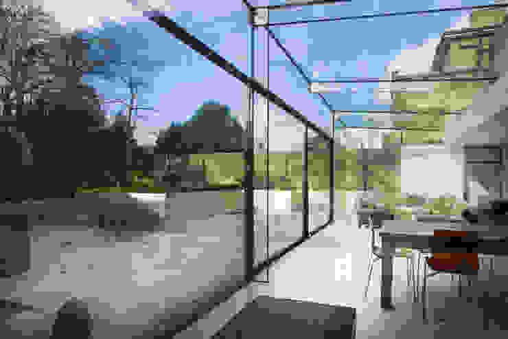 Barnes, London: Culmax Glass Box Extension Minimalistische Fenster & Türen von Maxlight Minimalistisch