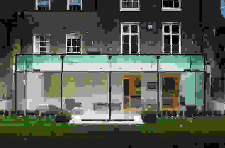 Barnes London; Culmax Glass Box Extension Moderne Häuser von Maxlight Modern