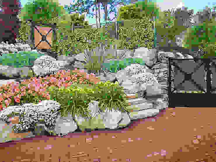 Mediterranean style garden by italiagiardini Mediterranean