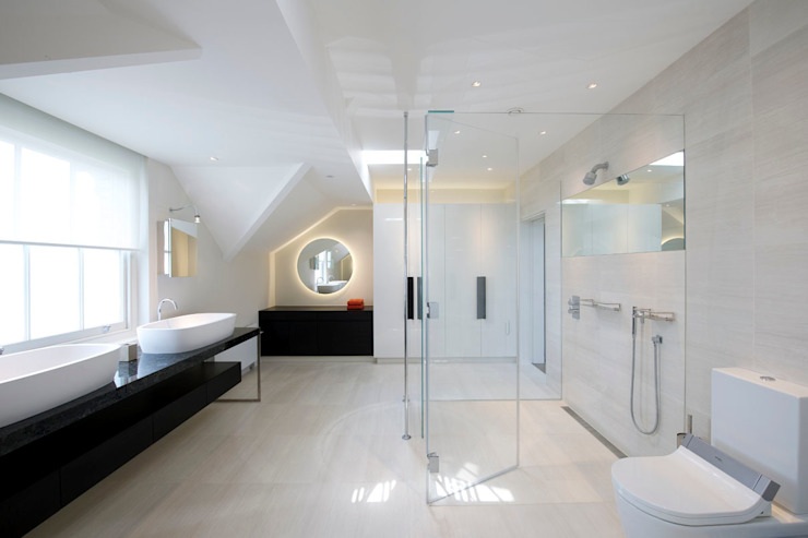 St John's Wood, London:  Bathroom by Maxlight, Minimalist