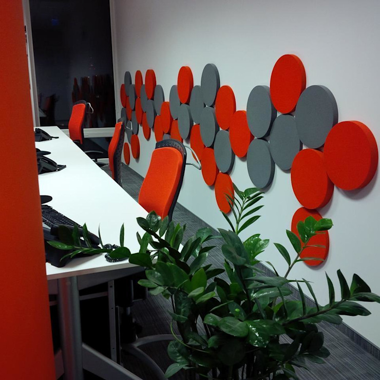 DOTS w przestrzeni biurowej. Projekt by Fluffo od FLUFFO fabryka miękkich ścian Nowoczesny