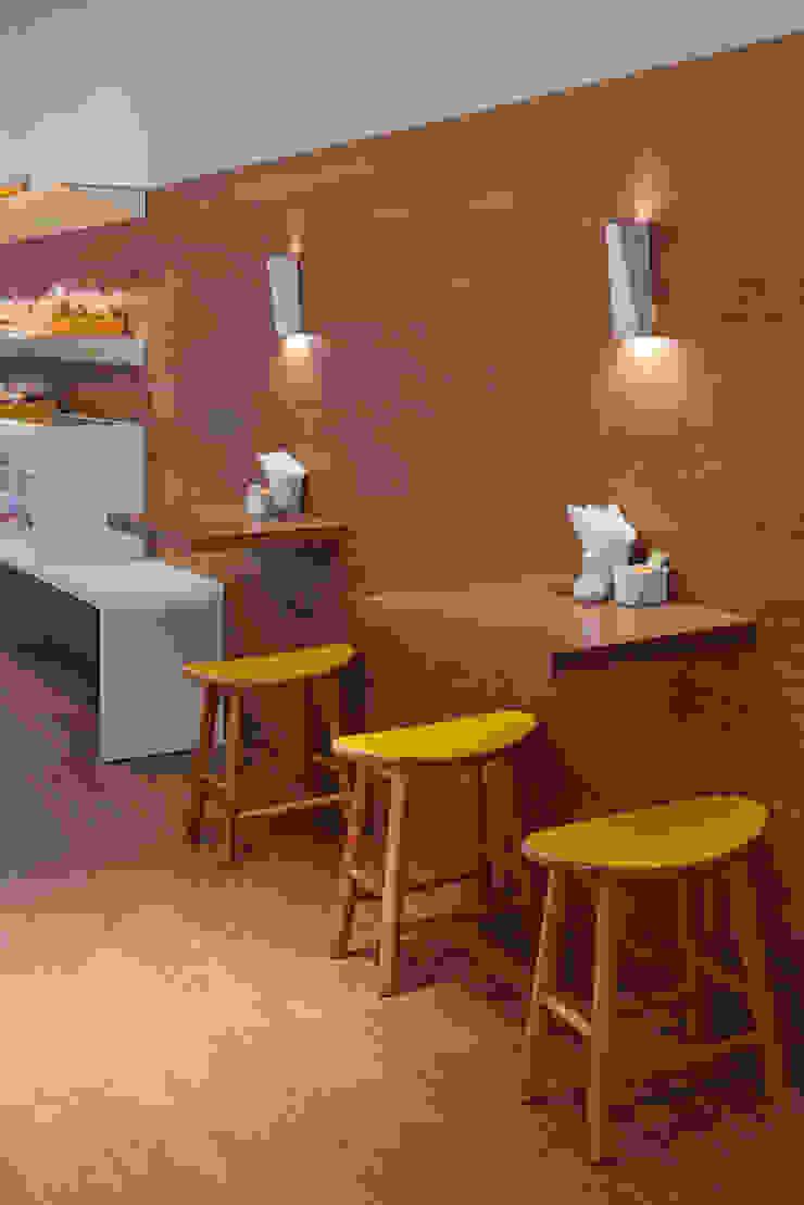 Detalhe das mesas por Vmf Arquitetos Moderno