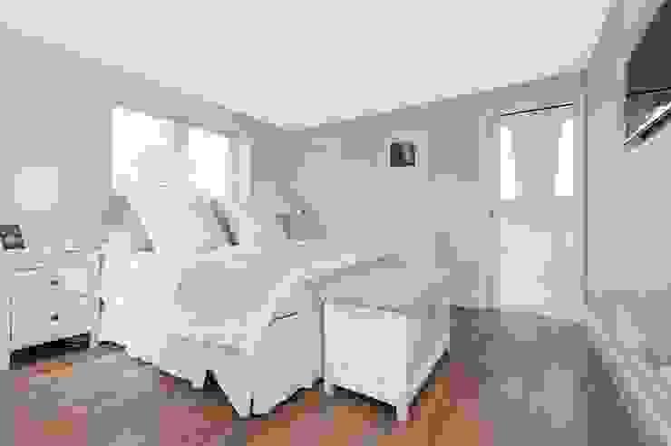 Refurbishment of late Victorian Property Classic style bedroom by Corebuild Classic