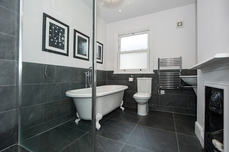 Refurbishment of late Victorian Property Classic style bathroom by Corebuild Classic