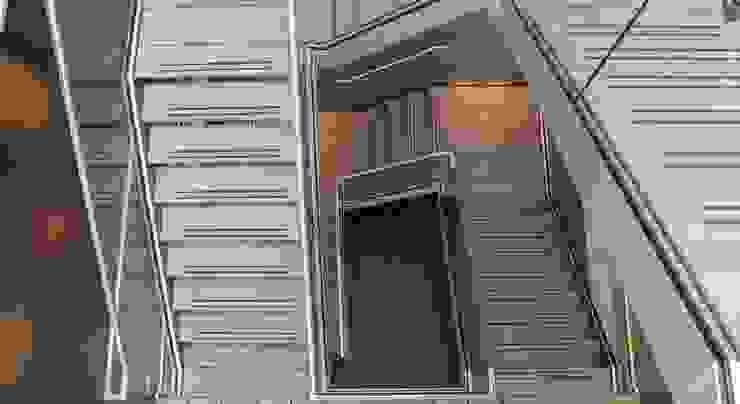 Bovenaanzicht trappenhuis Kantoor Hendriksen Tubbergen Industriële kantoorgebouwen van Draw2design Industrieel